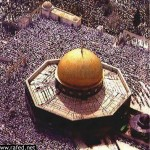 من مشاهد الحشد في المسجد الأقصى