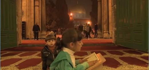child_reading_quran