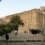 الزاوية الجنوبية الغربية من سور المسجد الإبراهيمي